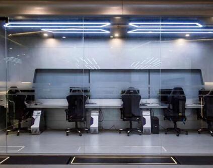 竞赛级别的电子竞技教室