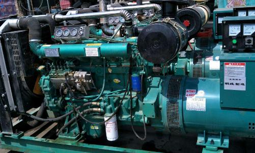 柴油发电机出租设备出现振动的原因分析