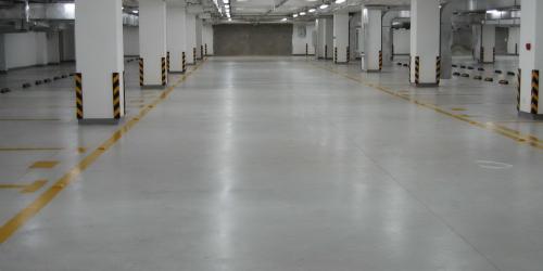 地下停车场地坪.png